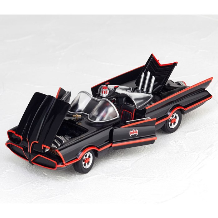 Batmobile 1966 MOVIE REVO preorder 05