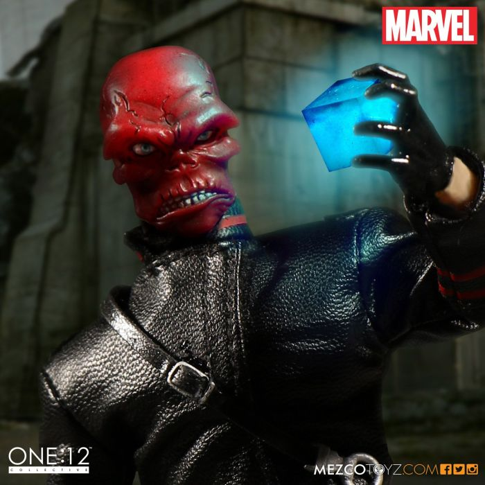 mezco-one12-red-skull-003