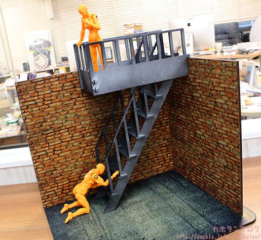 1/10 Fire Escape Right: 6480 Yen