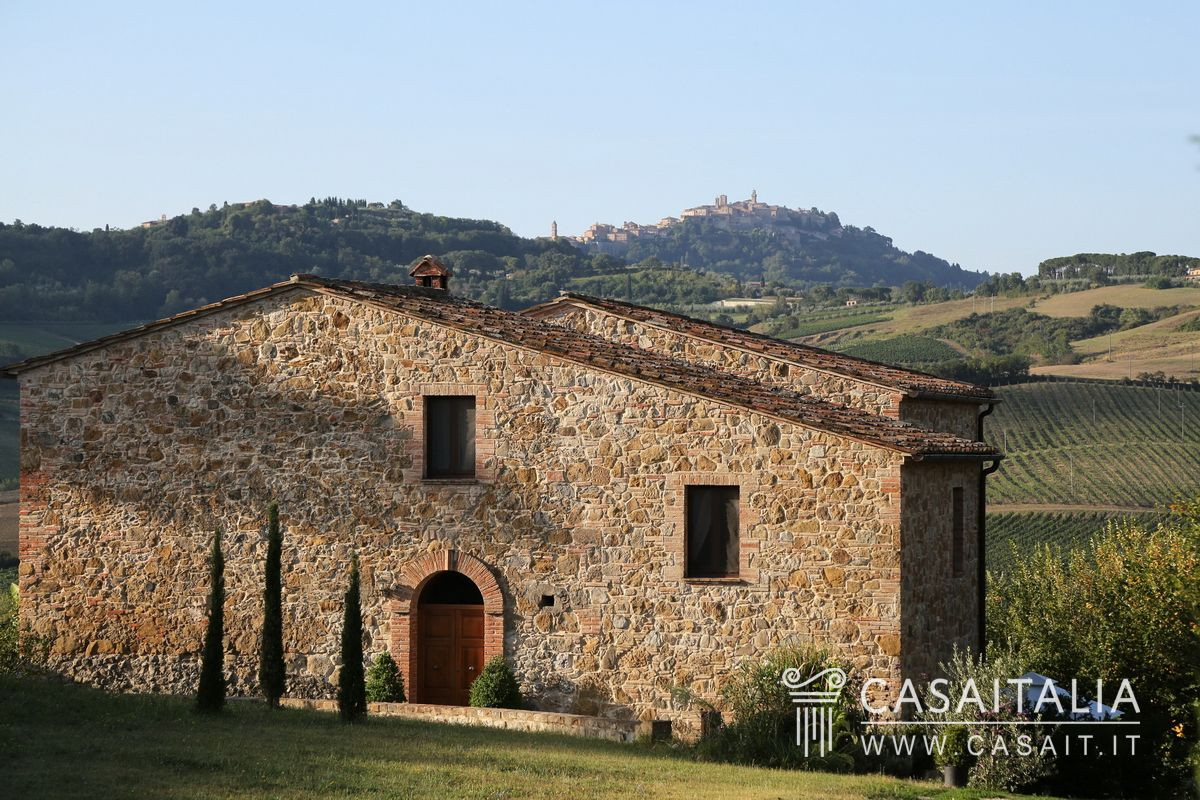 Italian Farmhouses For Sale Farmhouse For Sale In Montepulciano