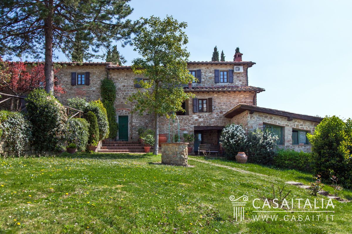 Italian Farmhouses For Sale Traditional Tuscan Farmhouse With Pool And Olive Grove