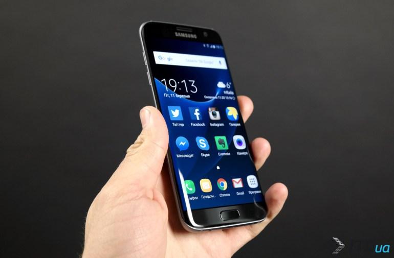 Самсунг может завязать сплоскими флагманами сGalaxy S8