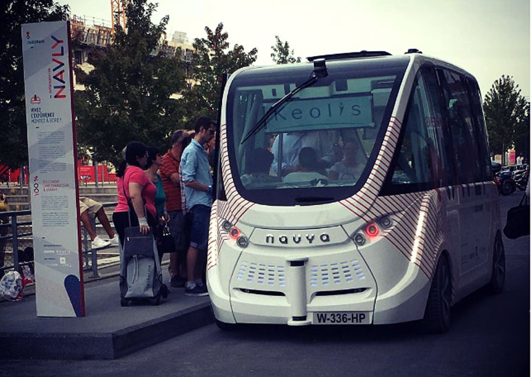 ВоФранции запустили бесплатные беспилотные автобусы