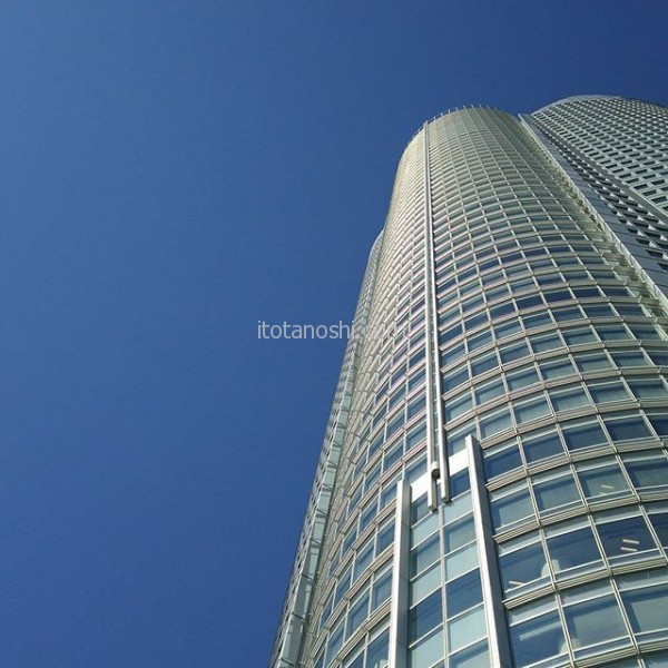 今日は1日 #六本木 #ヒルズ と#青空 がきれいだ。良い日になるといいなー