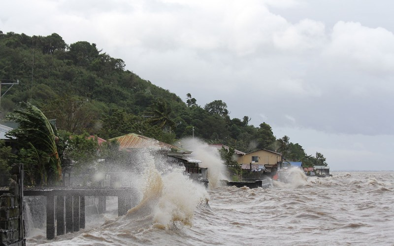 Philippines embraces super Typhoon Haiyan