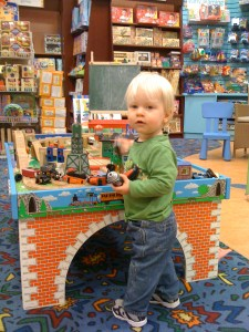E at Chapters Thomas table, Jan 2010