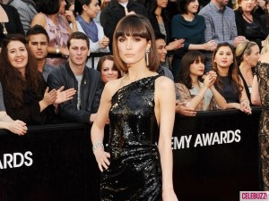Rose-Byrne-2012-Oscars