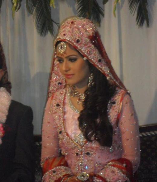 hot ad sexy ayesha bakhsh-wedding picture