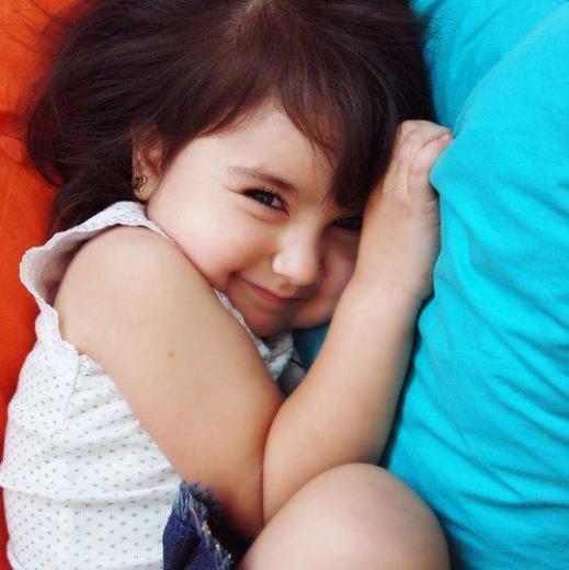 beautiful-stylisg-baby-girl-walpaper-2013-2014