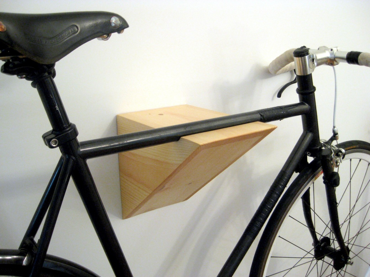 Diy Fahrrad Wandhalter Fahrrad Wandhalterung Holz Diy Trophy Club Bike Racks It Started With A Fight