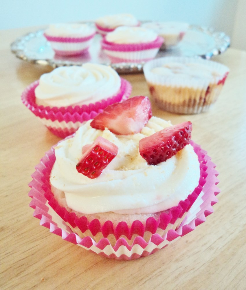 Sliver Platter Strawberry Cheesecake Cupcakes (4/6)