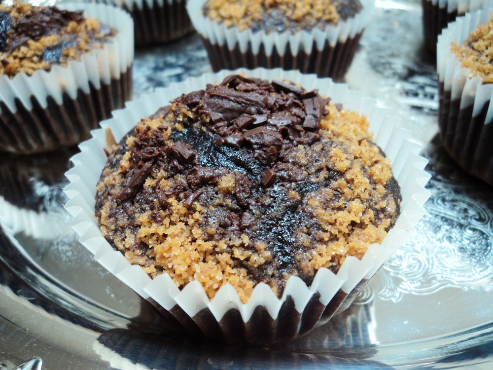 S'mores Cupcakes. I think I got your attention. (2/6)