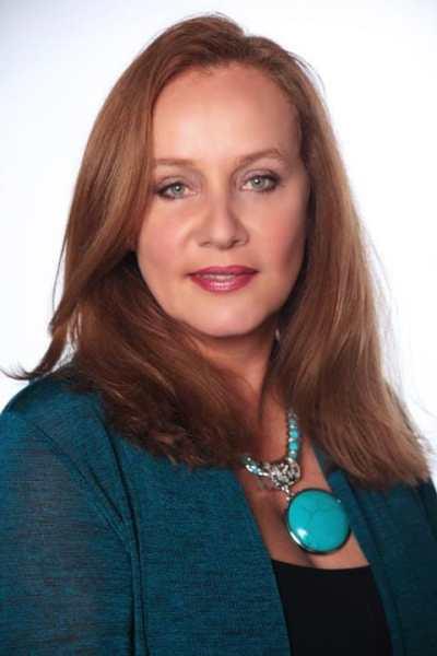Picture of Alejandra Borrero