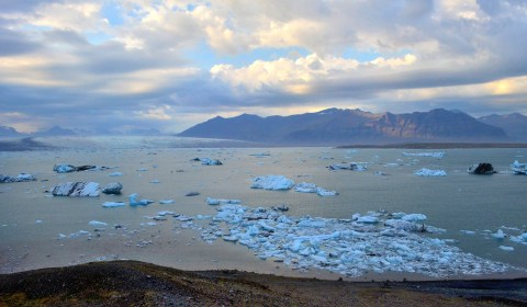 Hello Jökulsárlón! Taken from the second lookout as you come from the west.