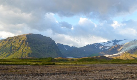 The sun graced us with its presence as we made our way back towards Reykjavik...
