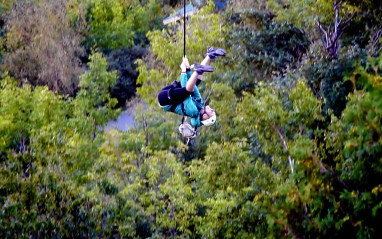 I've Been Bit! A Travel Blog :: Treetops, Ziplines & Scenic Caves