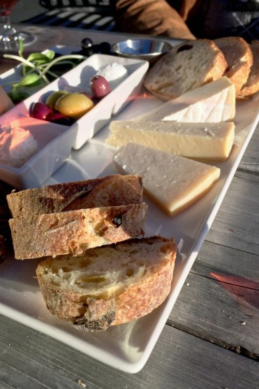 I've Been Bit! A Travel Blog - Grey County Autumn Adventures Coffin Ridge Winery Vintner's Plate