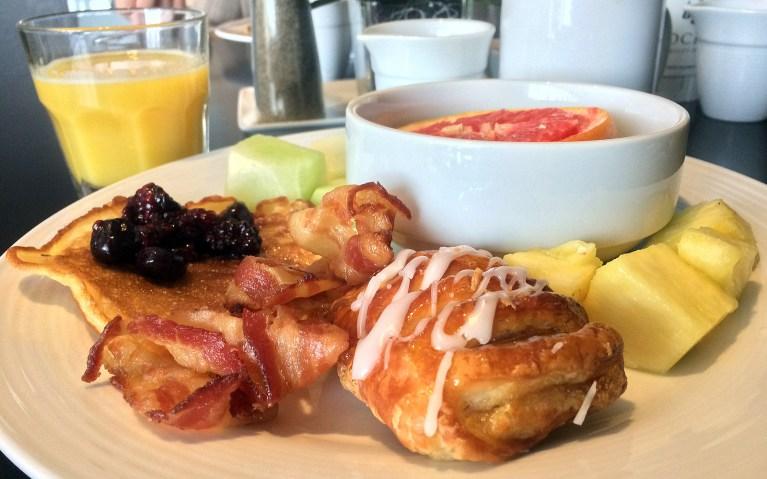 Breakfast Buffet at Hockley Valley Resort :: I've Been Bit! A Travel Blog