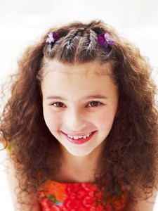 15 easy-to-do hairstyles for your daughter
