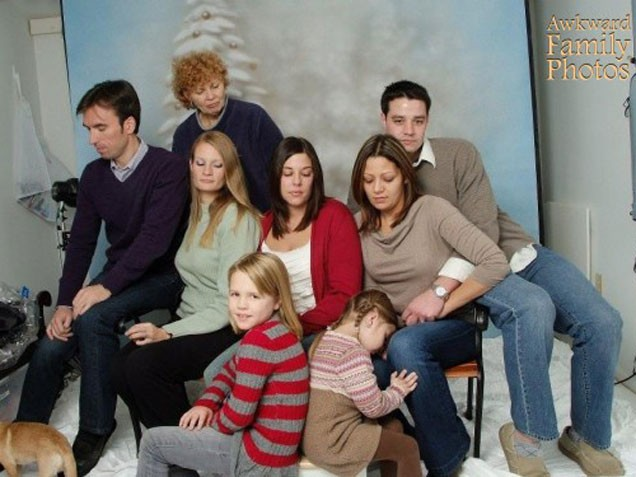 2013awkward-christmas-photos3