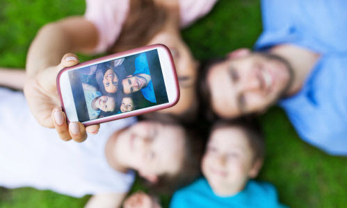 8 photos of your kids you need to stop posting on social media.