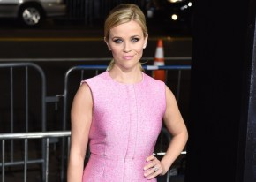 Reese Witherspoon says her divorce lead to career woes.