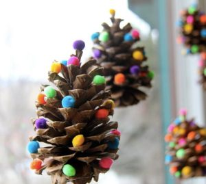 DIY ornaments for kids: 10 cool ideas your crew can do