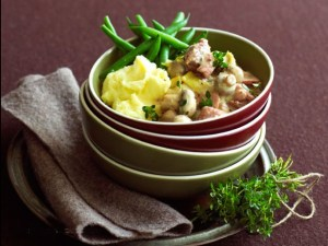 Creamy turkey stew with mustard