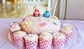 How to throw a splashingly splendid Peppa Pig party.