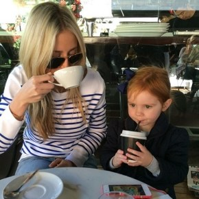 Roxy Jacenko and her daughter Pixie enjoying a morning drink