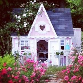 Pixie's cubbyhouse?