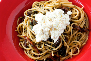 Ricotta, spinach and sundried tomato spaghetti