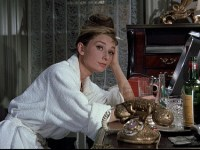 Breakfast-At-Tiffany-s-breakfast-at-tiffanys-4404919-500-281