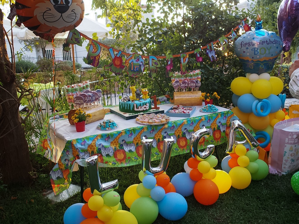 baby luca's sweet table by ivy says