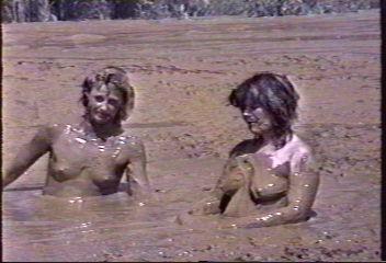 girls fucking in mud