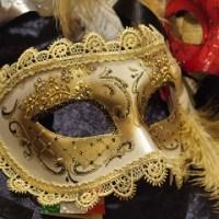 ①マスク①