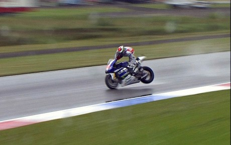 jorge-lorenzo-crash-assen