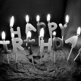 Μια ιστορία για γενέθλια και απολογισμούς.