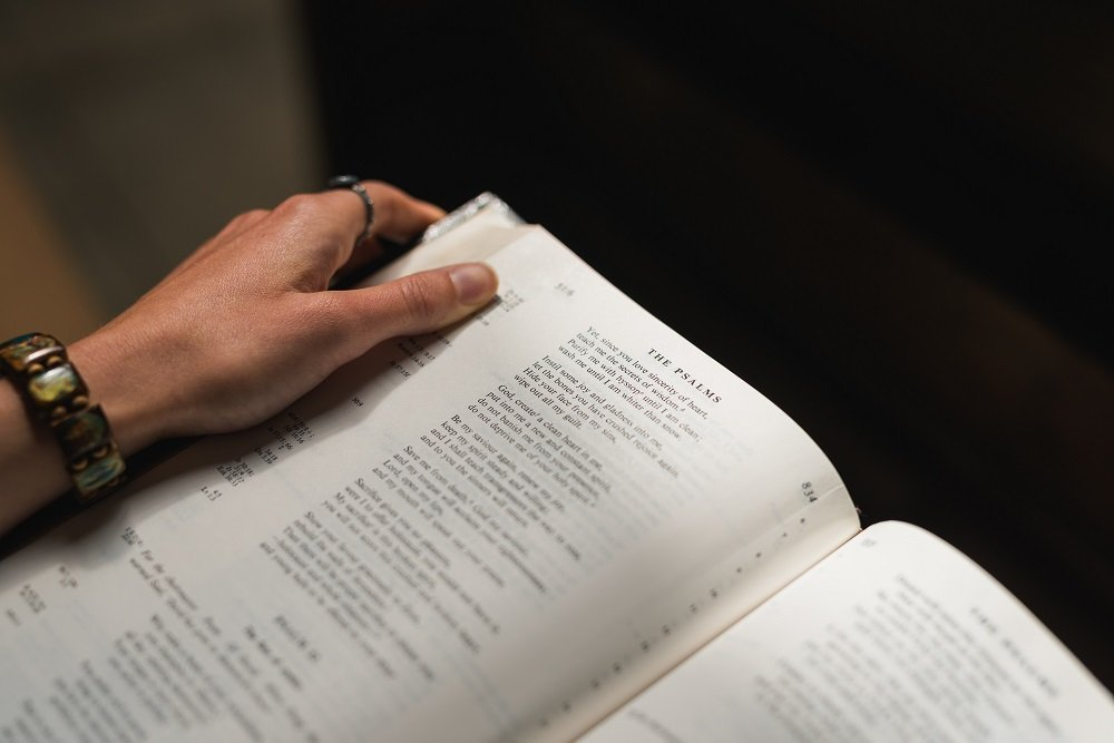 Tyndale Stories The Difference between Literal and Dynamic