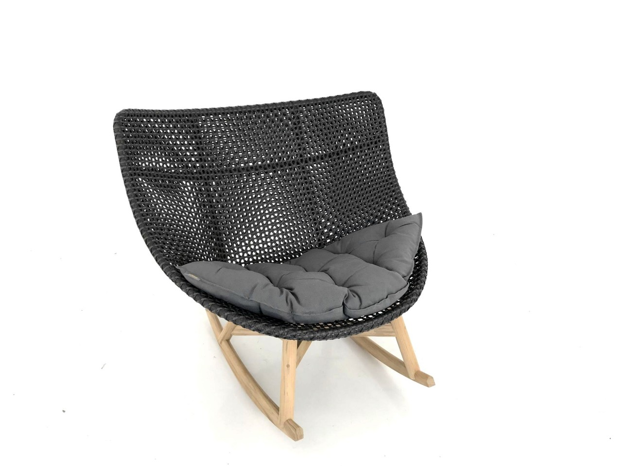 Dedon Sessel Dedon Mbrace Rocking Chair Schaukel Sessel In Der Farbe Arabica Mit Sitzkissen In 454 Dark Gray