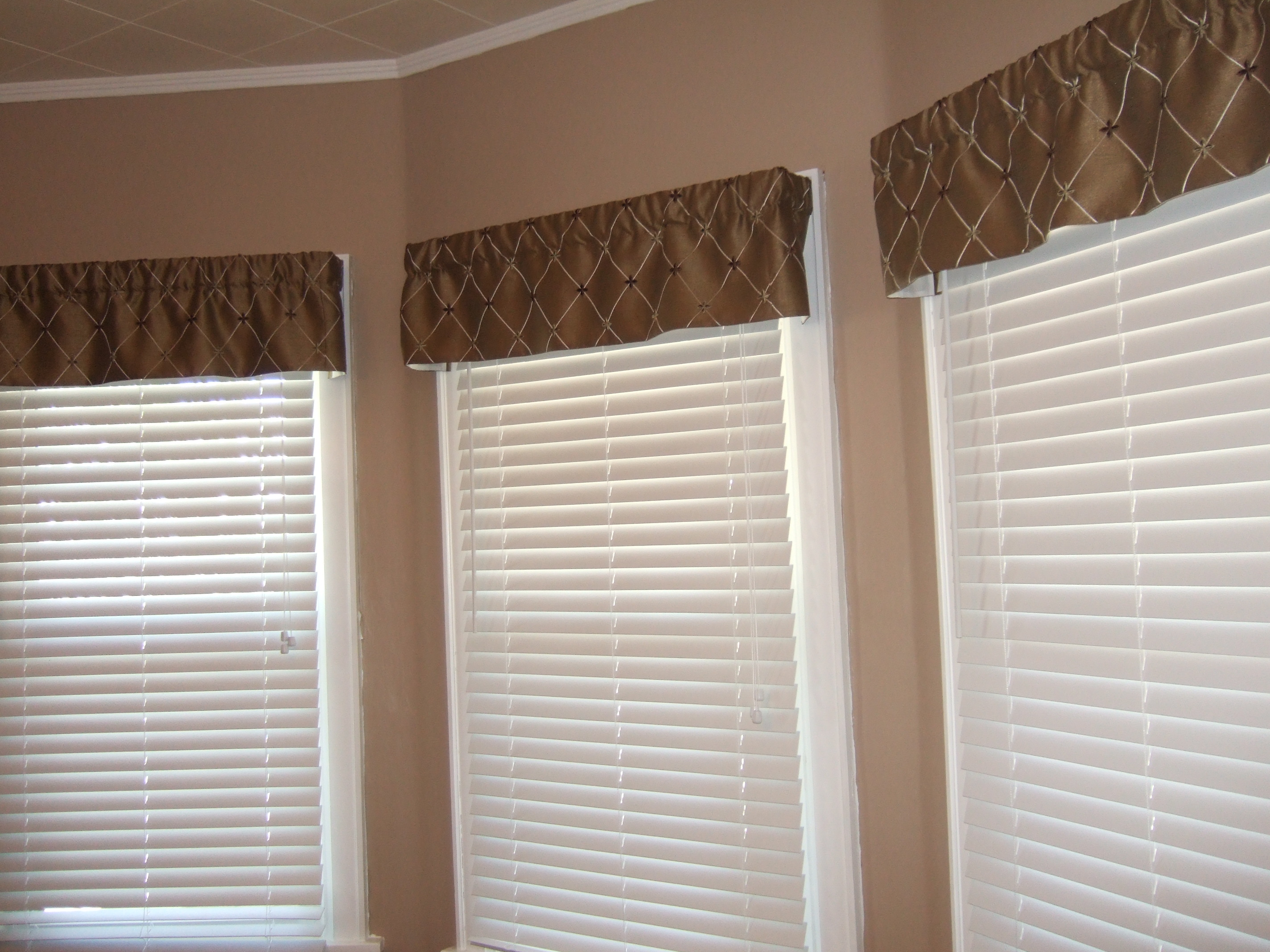 Breakfast Nook Curtains Breakfast Nook Valances Hoping In God