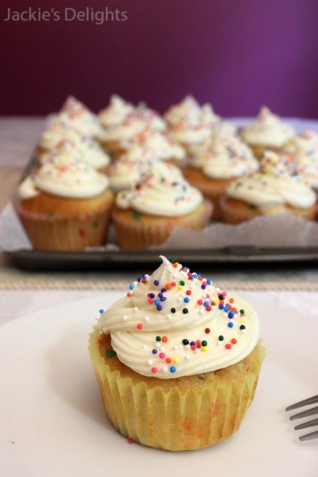 Funfetti Cupcakes.4