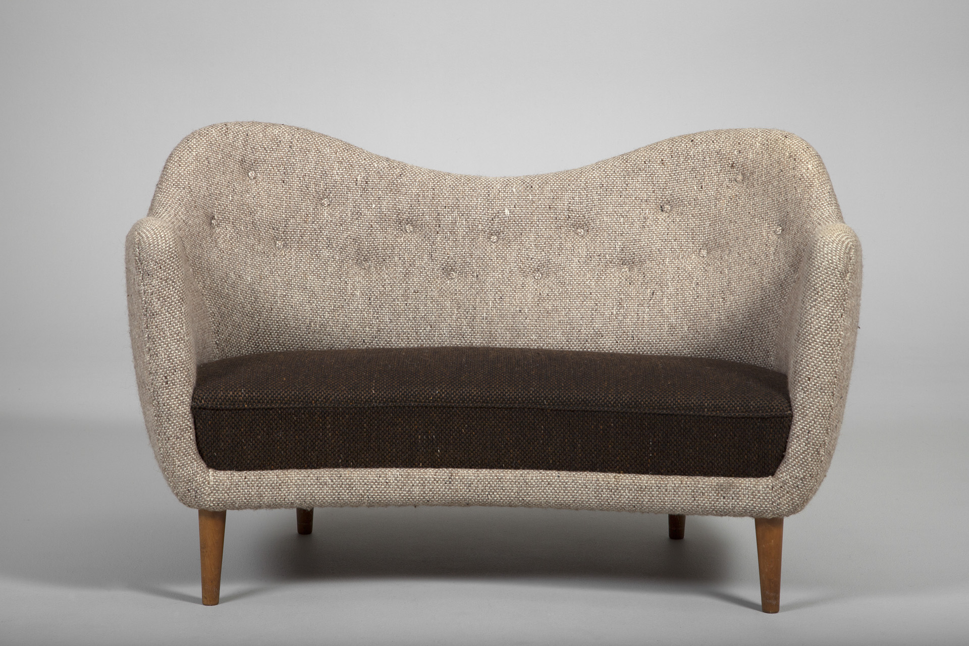 Poet Sofa Jacksons Quotpoet Quot Sofa Finn Juhl