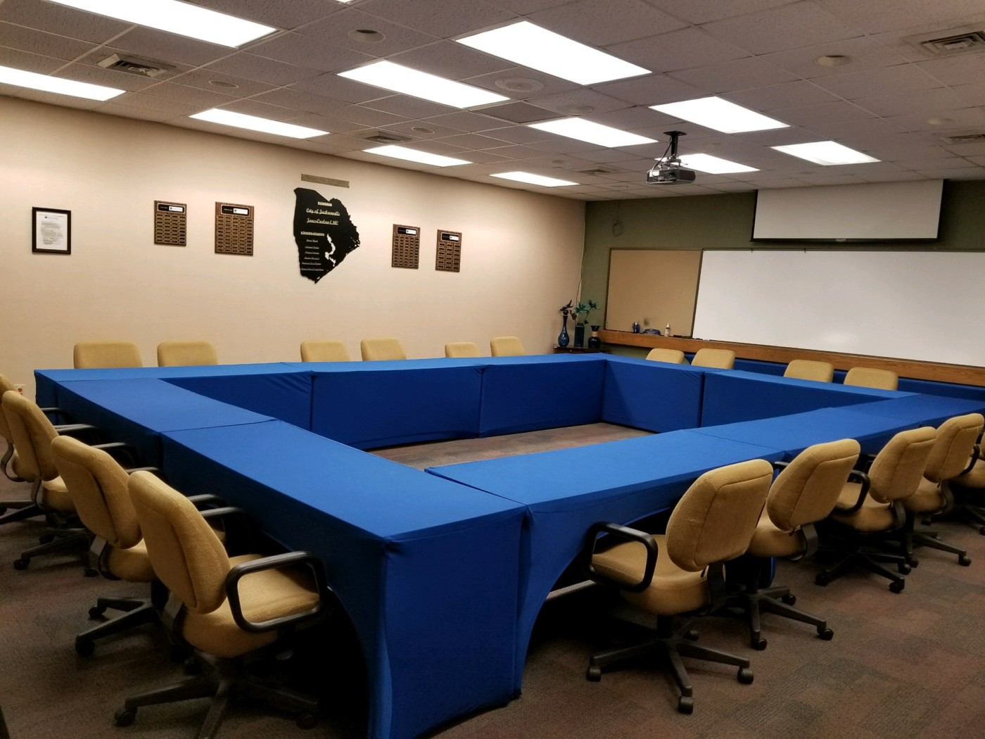 Meeting Room Tables Room Rentals Jacksonville Chamber Of Commerce
