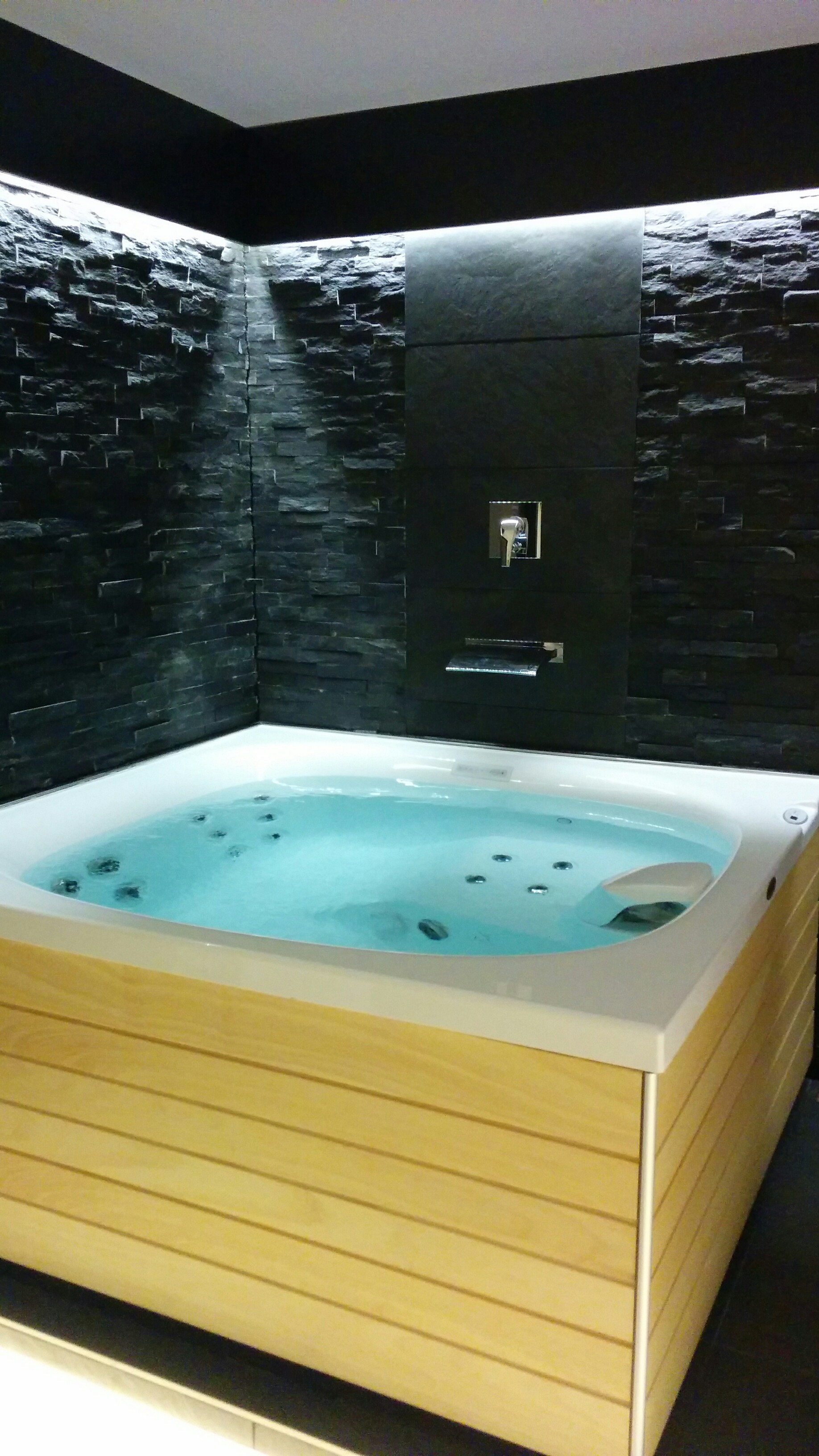 Whirlpool Garten 3 Personen Outdoor Whirlpool Plus Designerfliesen Jacuzzi Wellness At