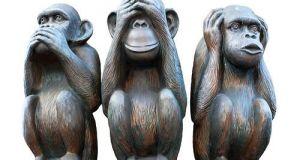 les-trois-singes-de-la-sagesse-fond-blanc