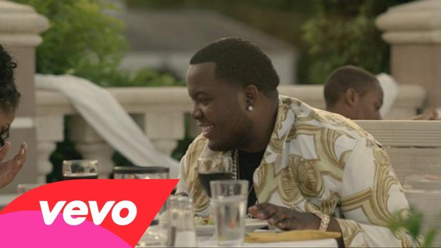 Sean Kingston – Seasonal Love feat. Wale (Music Video)