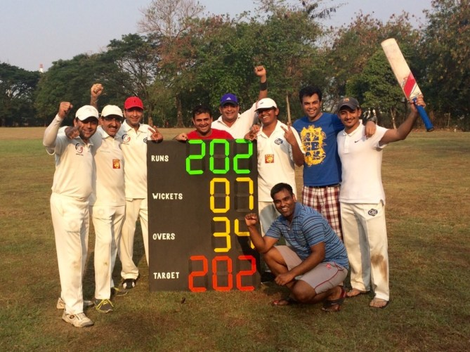 Miraz Monga continued his dream run to help Mavecrics beat Indorama CC by 3 wickets