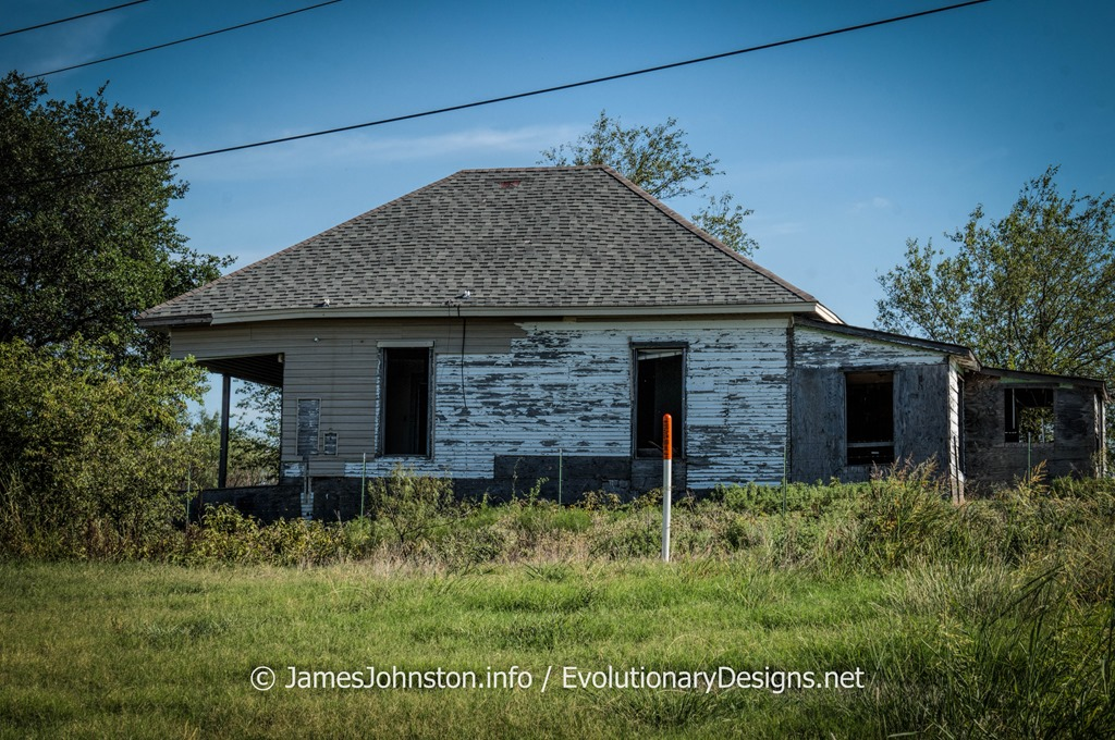 Abandoned Farm House West Of Sherman Texas