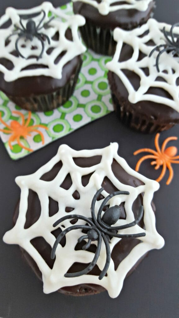 Chocolate Spider Cupcakes - Free Template Download JaMonkey